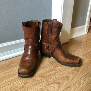 Frye Harness 8R Boots in Cognac, Size 7